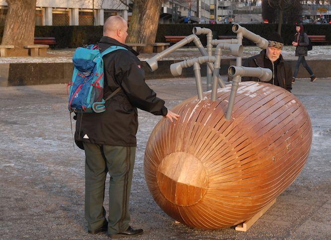 "Ståle Sørensens soundsculpture: The mobile music machine ""kursk"""