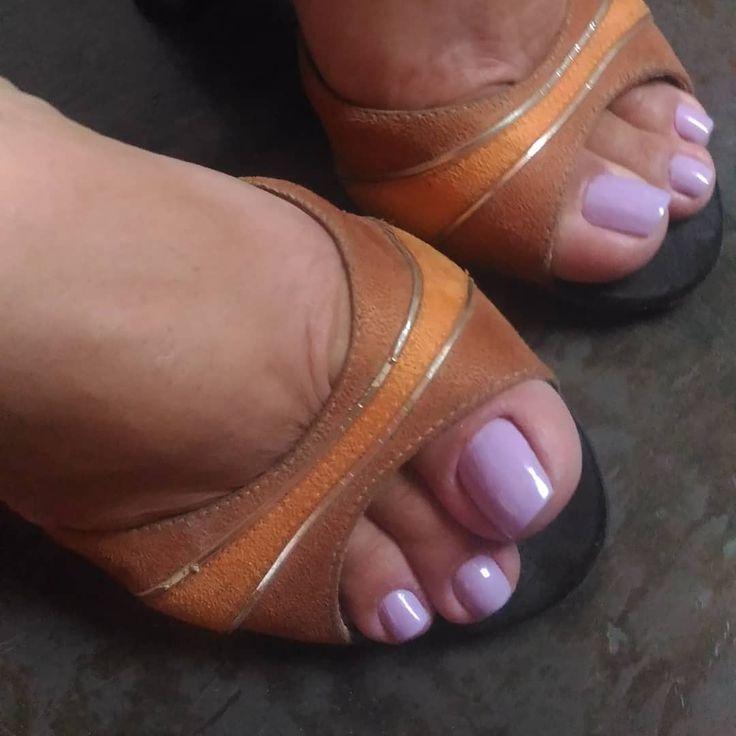 голые галерея сексуальных ноготков на ножках фото сначала испугался