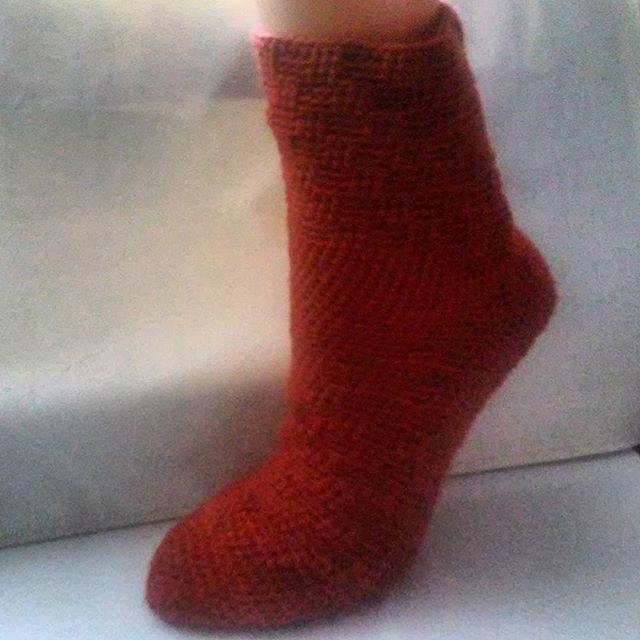 Jedna skarpetka gotowa, teraz druga ;) #socks #crotchetsocks #szydełkowanie #skarpetki