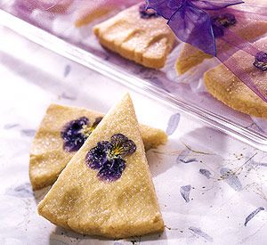 Pansy Shortbread  for Spring