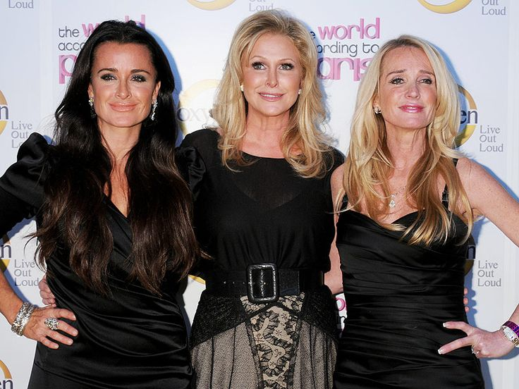 The Real Housewives Blog: Kyle Richards Bawls Over Family Feud With Sisters ...