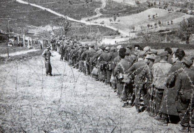 Brasil na Segunda Guerra Mundial  - Prisioneiros da 148º Divisão de Infantaria alemã, sob controle da FEB (Gli eroi Venuti dal Brasile)   http://www.historiailustrada.com.br/2014/04/fotos-raras-brasil-na-segunda-guerra.html#.VW9y4c9Viko