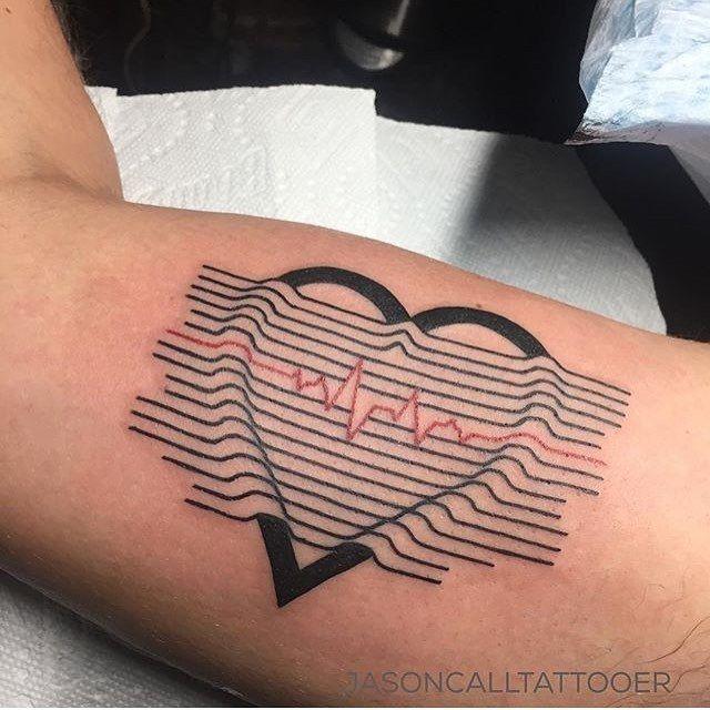 Heart Tattoo Artist: EQUILATTERA ▲ Private Tattoo Studio ▲ ❂ MIΔMI ❂