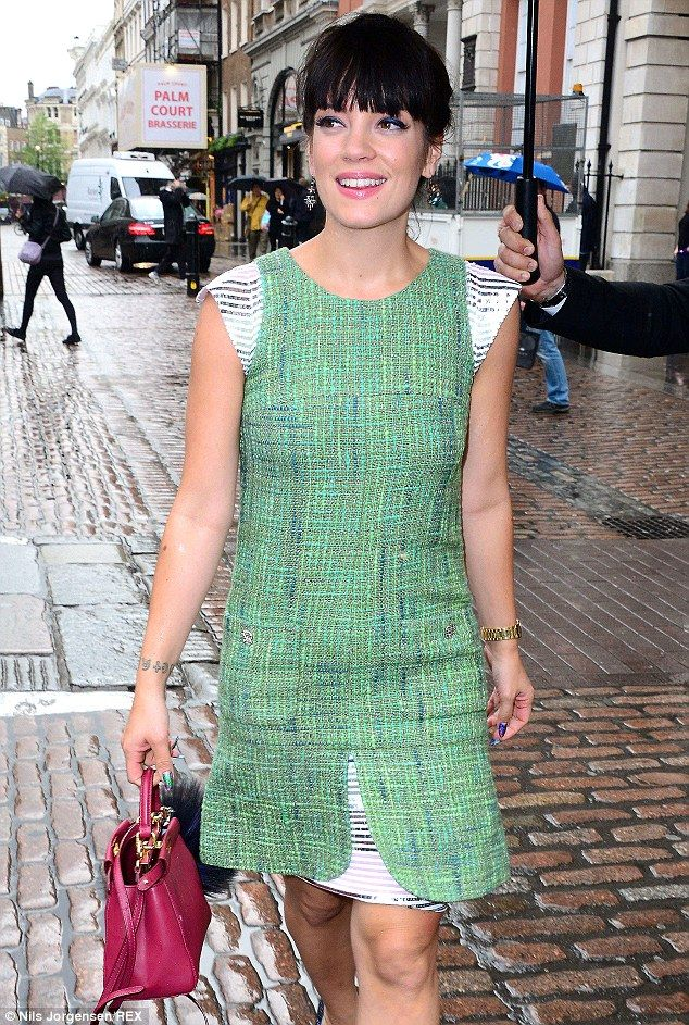 Lily Allen attends Chanel party in woven layered dress #dailymail