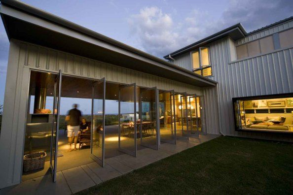 Kingscliff, NSW, Australia  • Architecturally designed beachfront/river front luxury home  • VIEW THIS HOME ►  https://www.homeexchange.com/en/listing/198297/