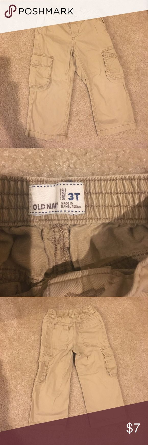 Old navy cargo pants Cute cargo pants with elastic waist, size 3t.  Great condition! Old Navy Bottoms