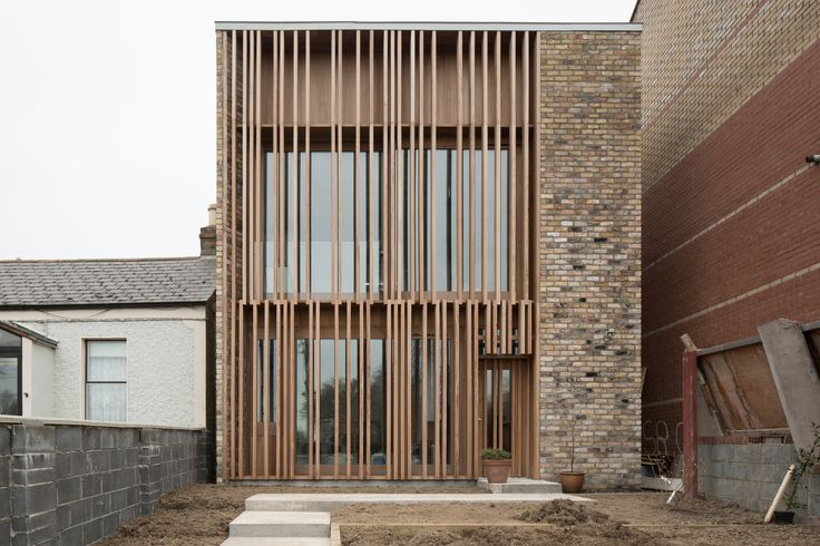 One Up Two Down / Mccullough Mulvin Architects