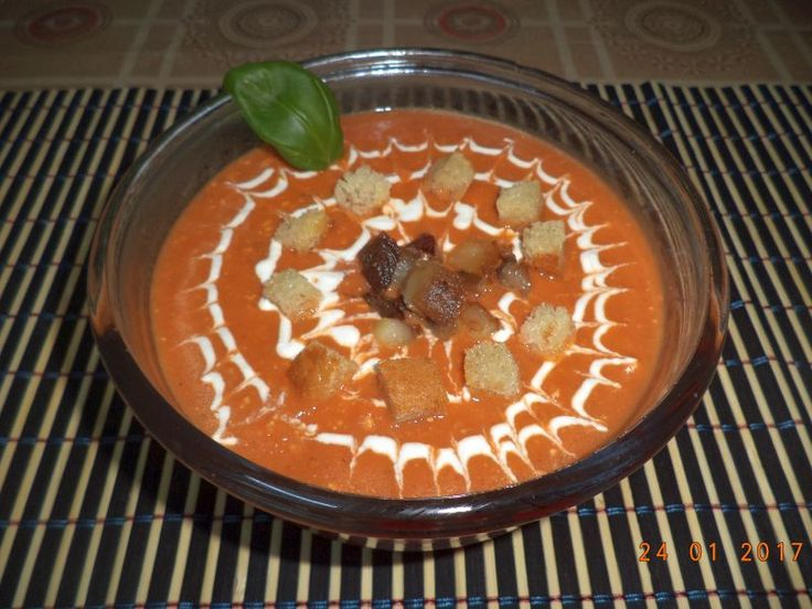 Reteta culinara Supa crema de ardei copti cu kaizer de casa si crutoane din Carte de bucate, Borsuri, supe, ciorbe. Cum sa faci Supa crema de ardei copti cu kaizer de casa si crutoane