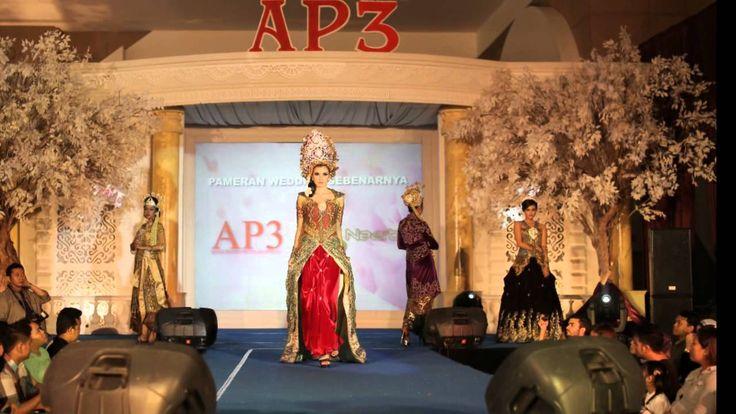 0877-0115-7774  Rias Pengantin Tradisional Surabaya With Tyas Mirasih
