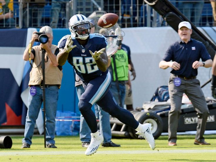 Packers vs. Titans:  47-25, Titans  -  November 13, 2016  -      Tennessee Titans tight end Delanie Walker (82) catches a 10-yard touchdown pass against the Green Bay Packers in the first half of an NFL football game Sunday, Nov. 13, 2016, in Nashville, Tenn.