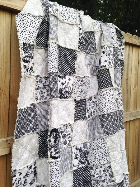king size quilt rag date night black white by southerncharmquilts for the home. Black Bedroom Furniture Sets. Home Design Ideas