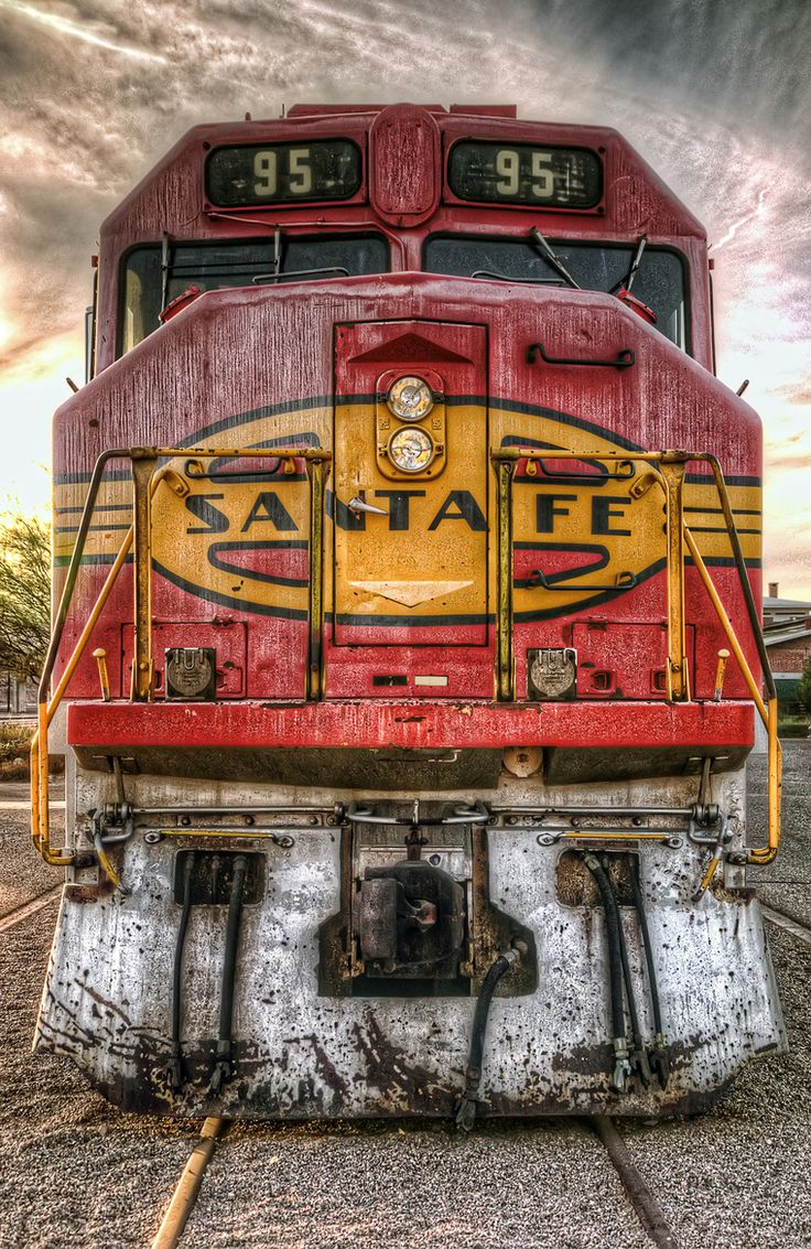 Old Santa Fe Engine - this is just freakin' beautiful!!