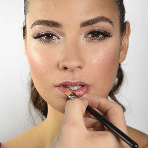 Last but not least, lipstick! | Here's How To Do Your Makeup So It Looks Incredible In Pictures