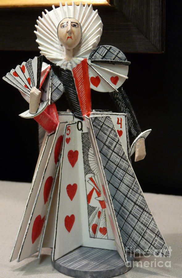 Theme of the week: fairy tales in combination with Tim Burton! Integrating Cards _________________________________ David Bearden... Queen of Hearts