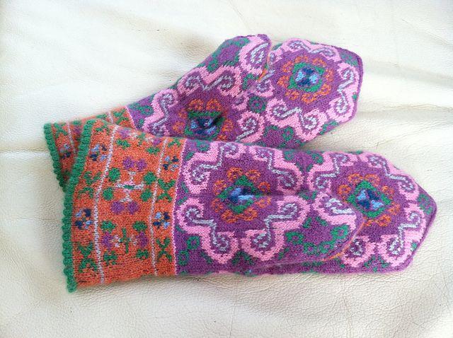 Ravelry: almarotty's Nīca mittens