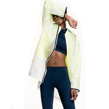 Your favorite store Zara just upped it's game with a new active wear and athleisure line. These pieces are affordable and chic, just like everything else they stock! Check out some of their new pieces and pick them up to inspire you to hit the gym in style.