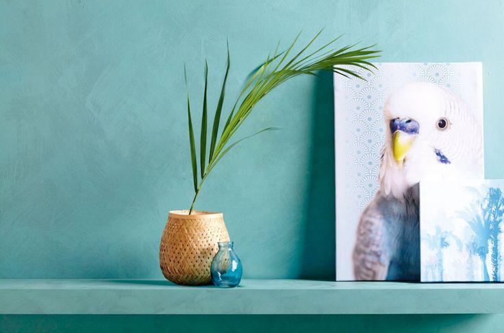 Una pintura efecto cristal en color turquesa da alegría y luminosidad a cualquier pared.