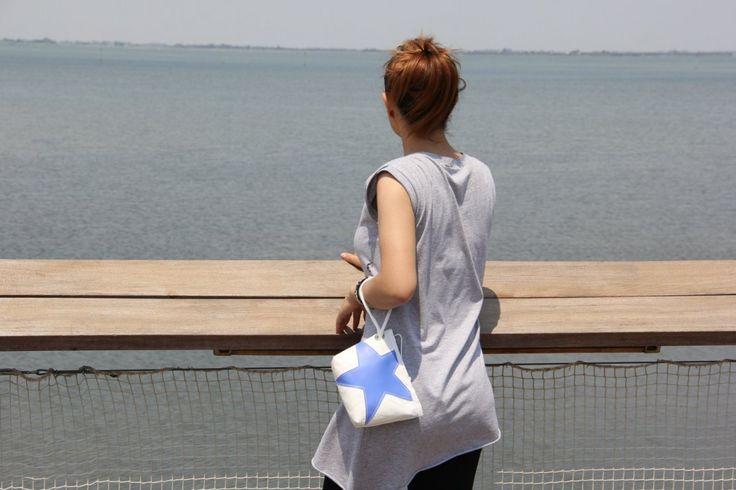 Pochette in vela riciclata con stella azzurra    #pochette #clutch #sail #vela #handmade #stella #star #unique #artigianato #upcycling #riciclo #recycled #sailbags #azzurro