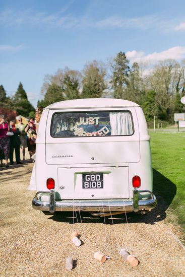 Don't forget to pimp up your wedding transport! Photo by Benjamin Stuart Photography #weddingphotography #vwcampervan #weddingtransport #tincans
