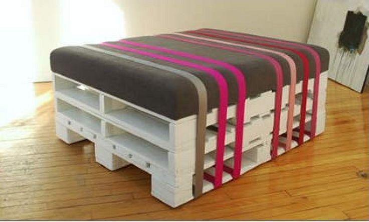 Un asiento de diseño fabricado con palets | Hacer bricolaje es facilisimo.com