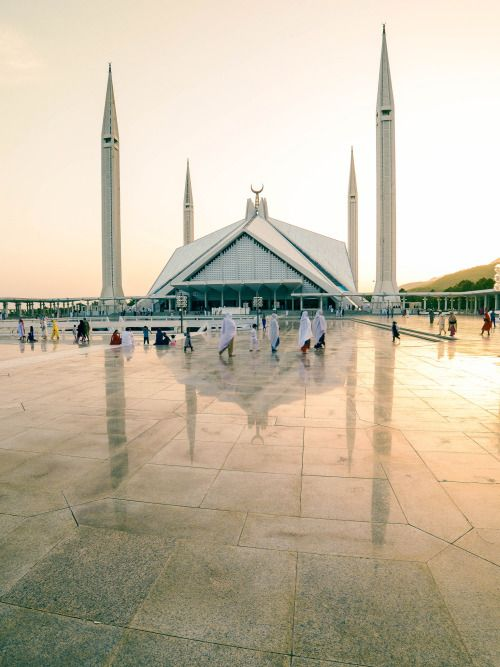 travelingcolors: Faisal Mosque Islamabad | Pakistan (by... #architecture