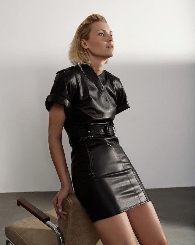 Pin Von Gerard Roantree Auf Leather Kleidung Lederrock Leder Outfits