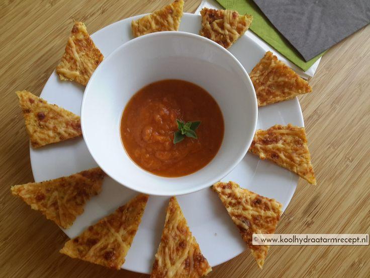 Eet de bloemkool kaassnacks bij de Groente sla-wraps met pindasaus, ook heel lekker met de zelfgemaakte tomatensaus, heerlijk leftover ontbijt!