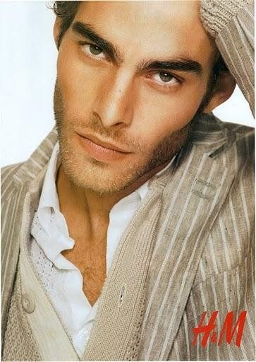 Model WOw!  Jon-Kortajarena