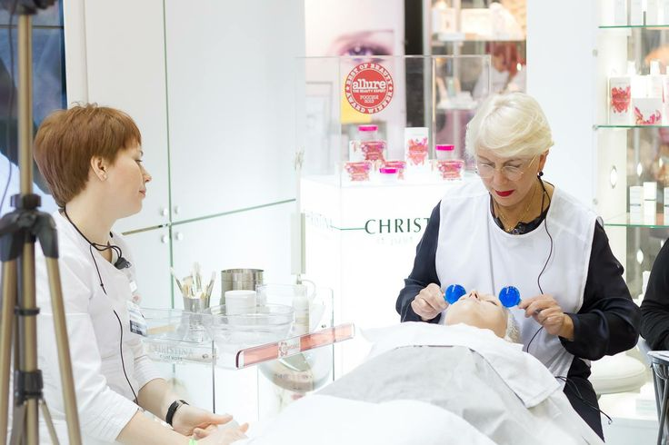 Кристина Зехави на нашем стенде D 1.1. во время XIII Международной выставкеи для профессионалов индустрии красоты KOSMETIK EXPO #CHRISTINA #NickOl #Care #Skin #Skin_care #Beauty #Christina_Cosmetics #Cosmetics #Cosmetology #Cosmetologist #Beauty #Beauty_care #Face #Face_Care