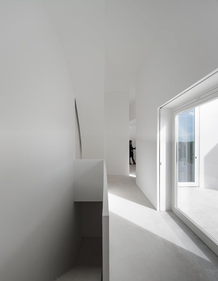 Residence In Melides, Portugal by Manuel Aires Mateus And SIA Arquitectura