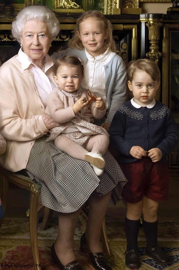 So adorable <3  There is a likeness between the Queen and Charlotte <3