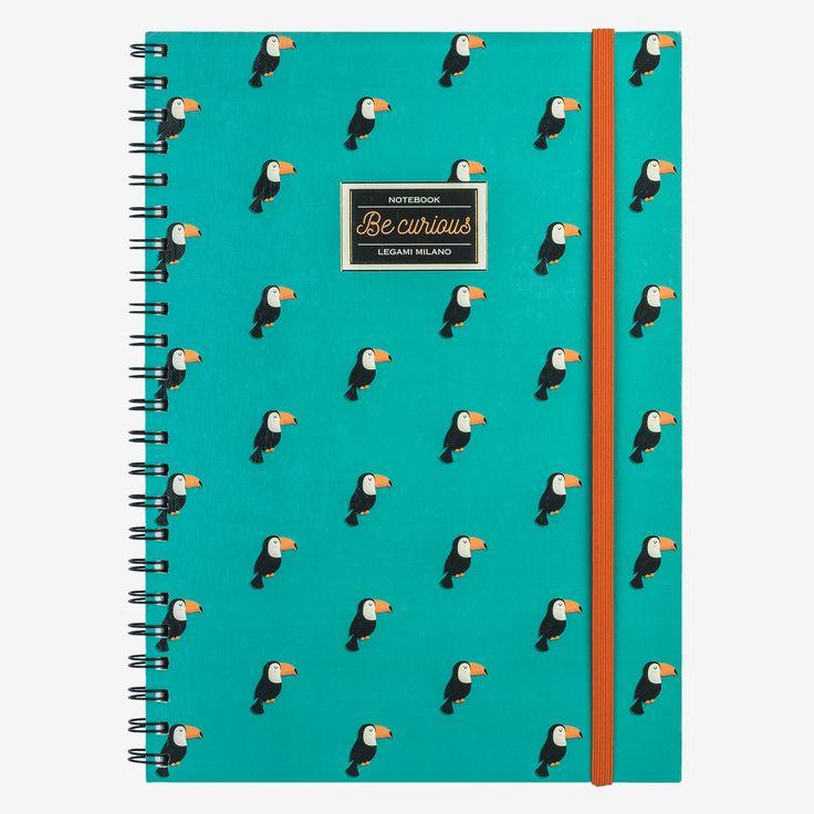 Il quaderno con spirale Be curious è ideale per annotare pensieri, custodire ricordi e prendere appunti. Perfetto in ufficio, a scuola, nel tempo libero. I quaderni A4 a righe Legami, colorano i tuoi giorni con stile
