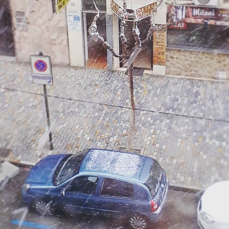 Tres décadas después vuelve a nevar en la ciudad de #Murcia. #nieve #frio #foto