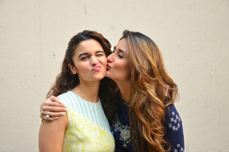After Shahid Kapoor, Guess Who is Singing Alia Bhatt's Praises? , http://bostondesiconnection.com/shahid-kapoor-guess-singing-alia-bhatts-praises/,  #AliaBhatt #KareenaKapoor #ShahidKapoor