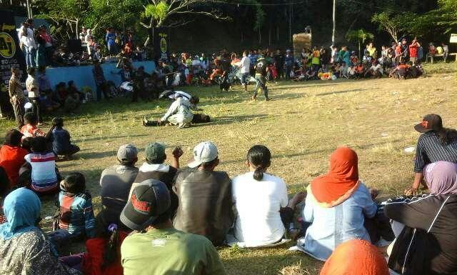 Kuda Lumping bagian seni/budaya Indonesia,  hiburan warga Andeman