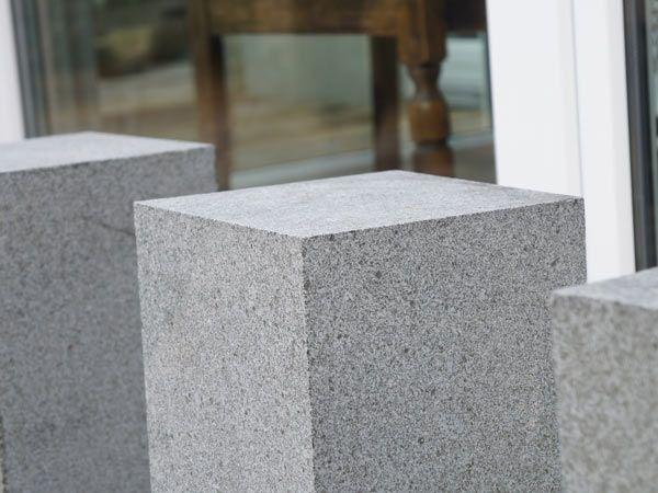 30 Jahre Erfahrung mit Lösungen aus Naturstein für den privaten ✓ gewerblichen ✓ öffentlichen Bereich. Exklusive Produkte aus Marmor ✓ Granit ✓ Sandstein