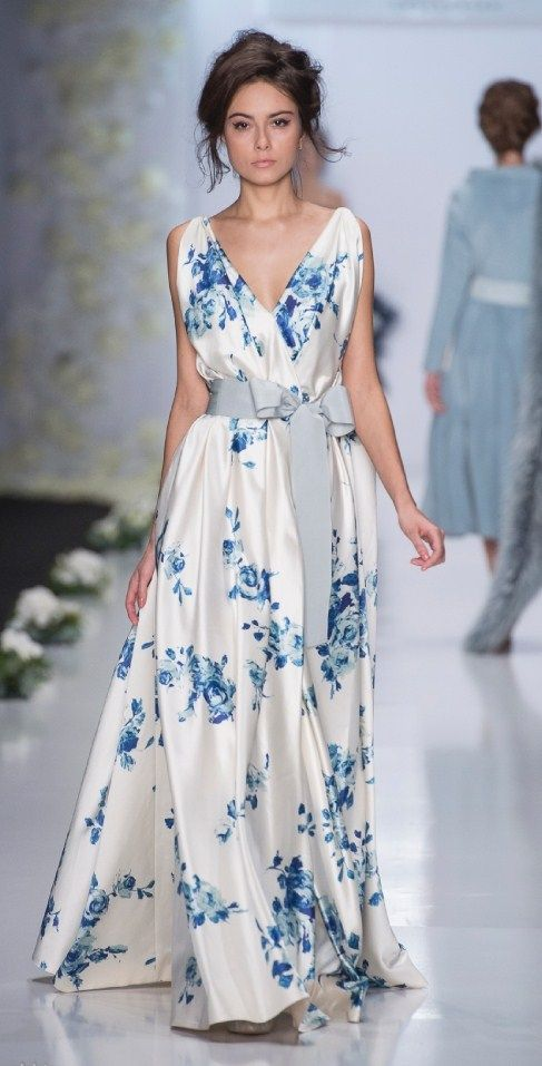 55 best Elegante Abendkleider images on Pinterest   Elegant evening ...