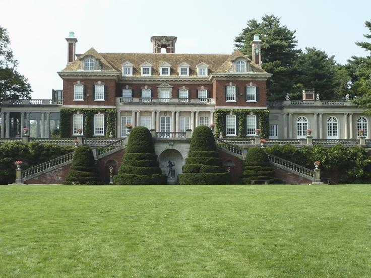 A Gold Coast Mansion...