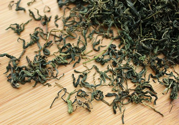 Gynostemma tea benefits have been known in Orient for thousands of years.  Today many modern day people are discovering its use as a hot morning drink that increases energy levels naturally.