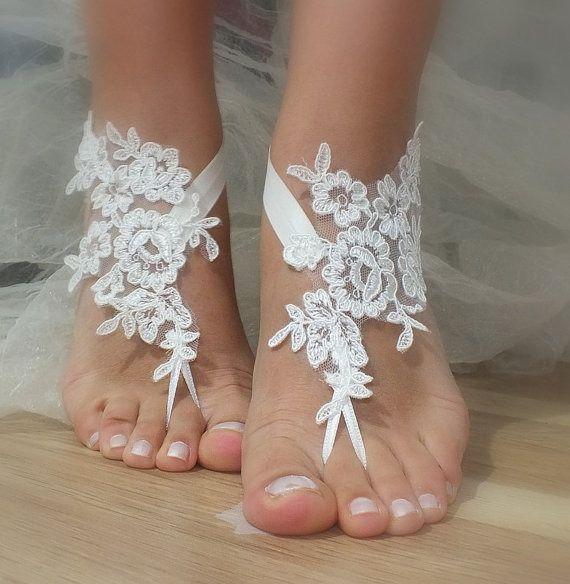 ivoire en dentelle de mariée, sandales, libèrent le bateau, : Chaussures par binnur-yildirim