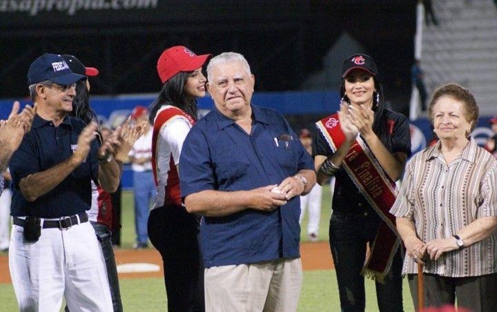 Hoy lamento informar el triste fallecimiento del Sr. Adolfo Alvarez quien en vida fuese el presidente honorario de los Cardenales de Lara. Mis más sentidas palabras de condolencias a sus familiares amigos y a toda la organización de los Cardenales de Lara.  Q.E.P.D  Foto cortesía de @cardenalesdice  #cardenales #cardenalesdelara #lvbp #beisbol #venezuela #lara