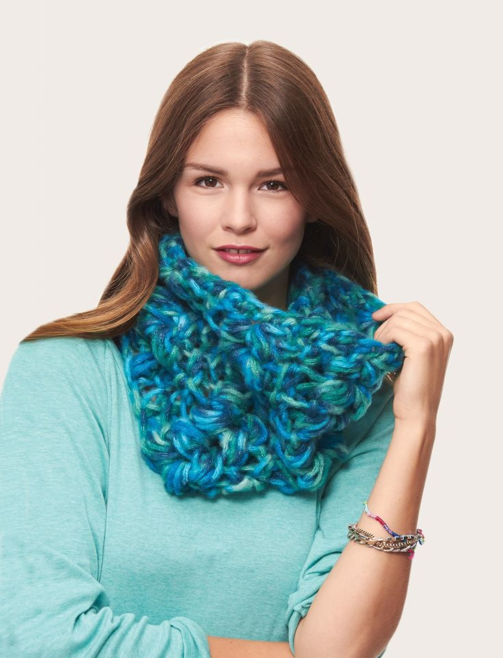 Infinity Scarf Knitting Pattern Bernat : Yarnspirations.com - Bernat Quick Cluster Cowl - Patterns ...
