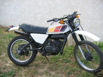 Yamaha 125 dtmx comme je l'ai eu à 16 ans