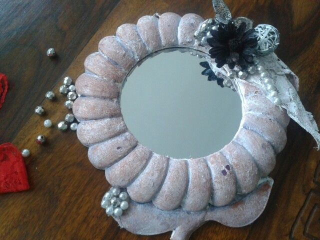 Diy altered mirror. Shabby chic style