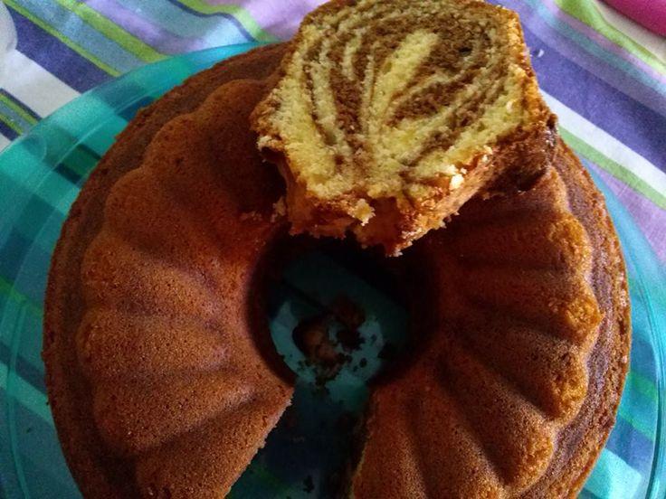 ΜΑΓΕΙΡΙΚΗ ΚΑΙ ΣΥΝΤΑΓΕΣ: Κέικ βανίλια -σοκολάτα χωρίς βούτυρο !!! Τέλειο !!!