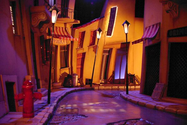 stree stage set, lighting helps to create an atmosphere