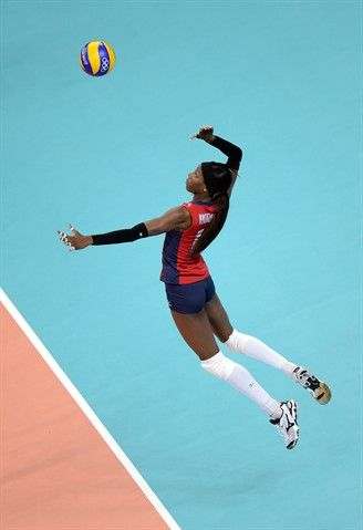 The U.S. women sweep South Korea in Thursday's semifinals to advance to Saturday's Gold Medal Match.