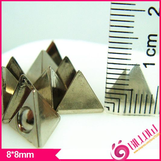 Barato 500 pçs/lote 8x8mm CCB rebites pirâmide prata spikes e tachas com roupas Frete grátis B2098, Compro Qualidade Rebites para Roupas diretamente de fornecedores da China:  EUA $9.85/lot500 peças/lote      EUA $5.65/lot500 peças/lote      EUA $9.65/lot100 peças/lote
