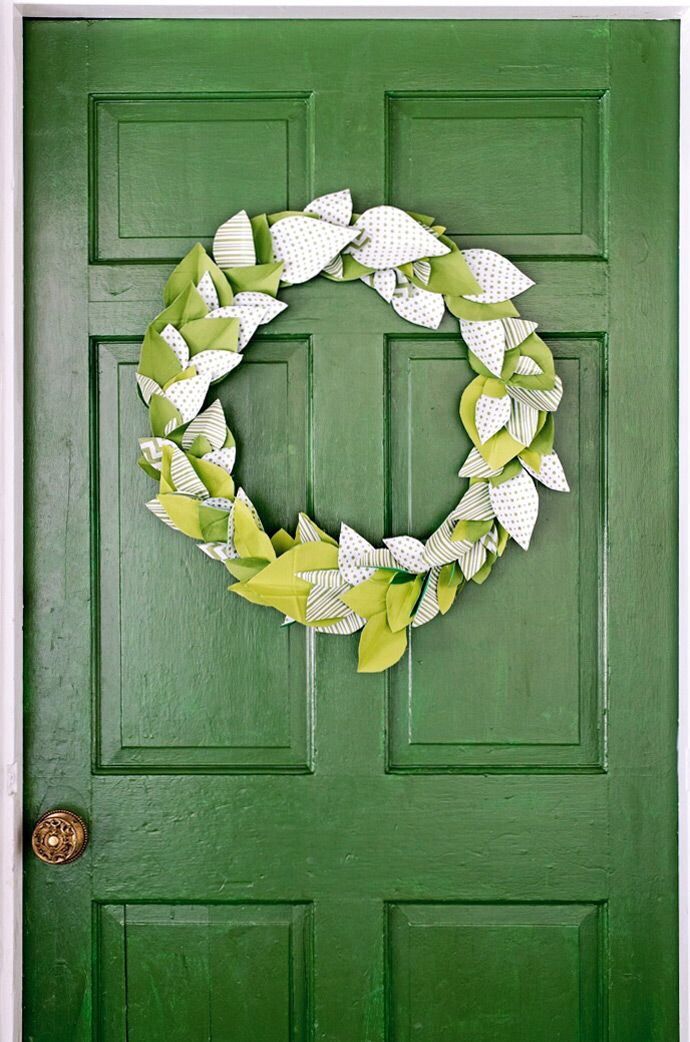 We Collaborated With Waverly and Annette Joseph to inspire your next party! Learn to make this wreath, paint your door perfectly, and more!