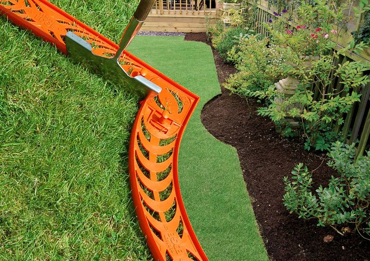 Creative landscape edging ideas design ideas ideas for for Cheap easy landscape edging